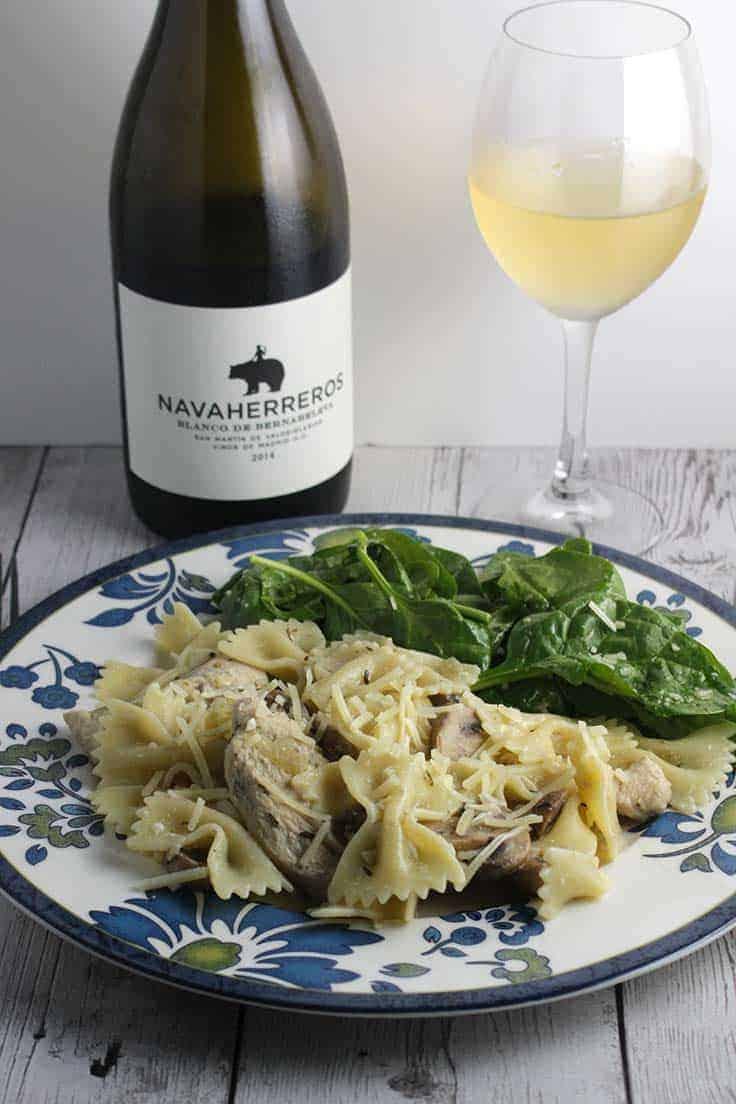 Bernabelva Navaherreros Blanco Spanish white wine paired well with chicken mushroom bow tie pasta recipe.