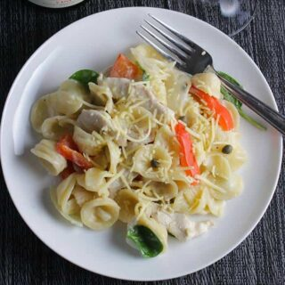 Sauvignon Blanc Pairing: Pasta with Chicken, Goat Cheese and Peppers