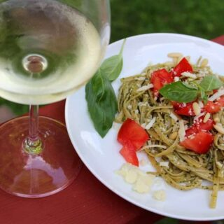 Linguine with Classic Basil Pesto Paired with Sauvignon Blanc for #winePW 3