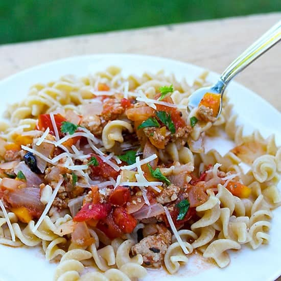 farm fresh tomato sauce with ground turkey   cookingchatfood.com