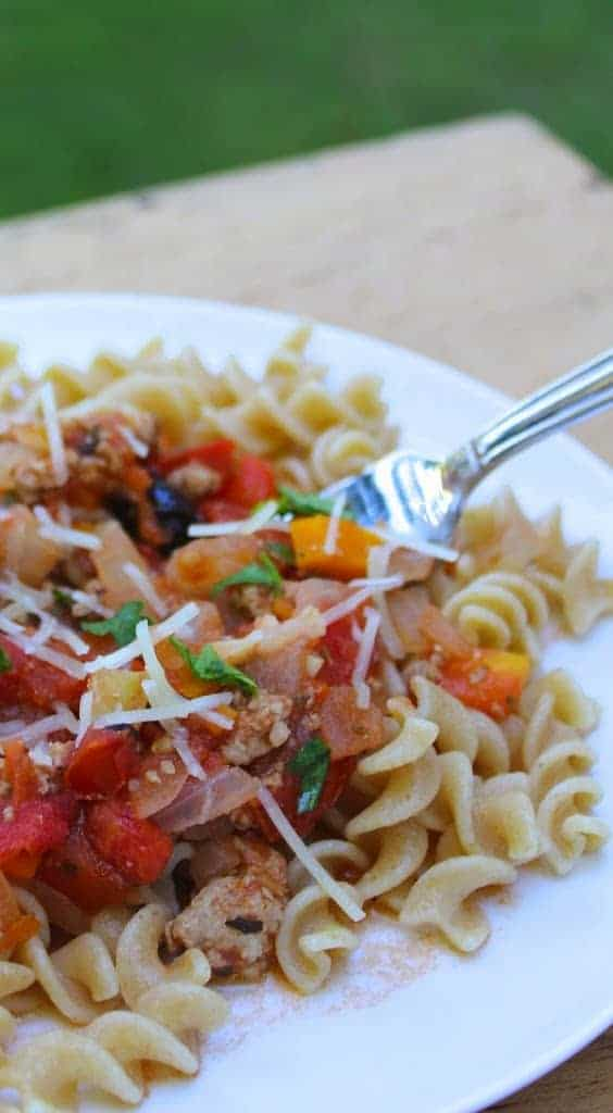 12 Healthy Favorites for #FoodDay2014, including this Farm Fresh Tomato Sauce with Ground Turkey