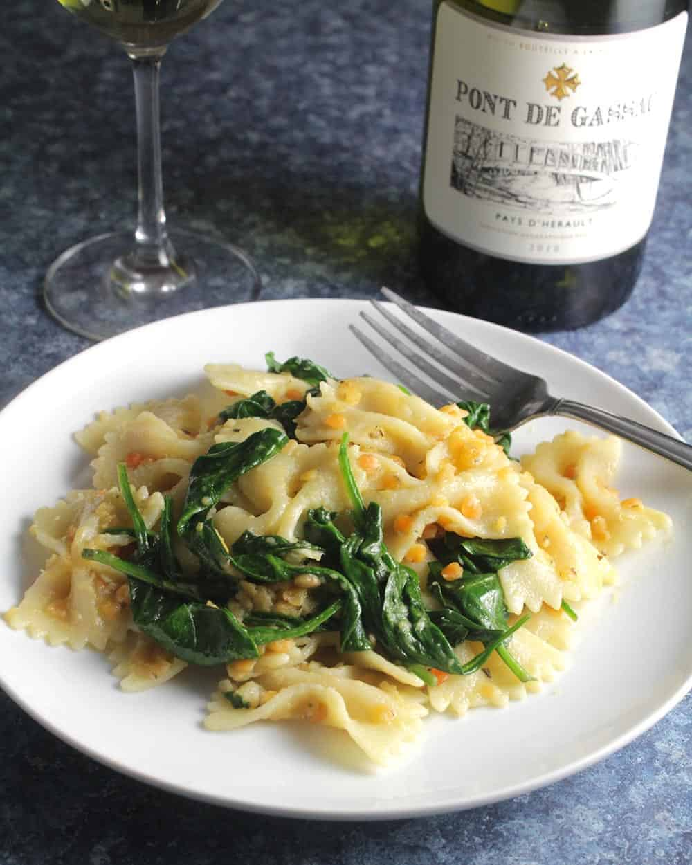 pasta with red lentils with white wine.