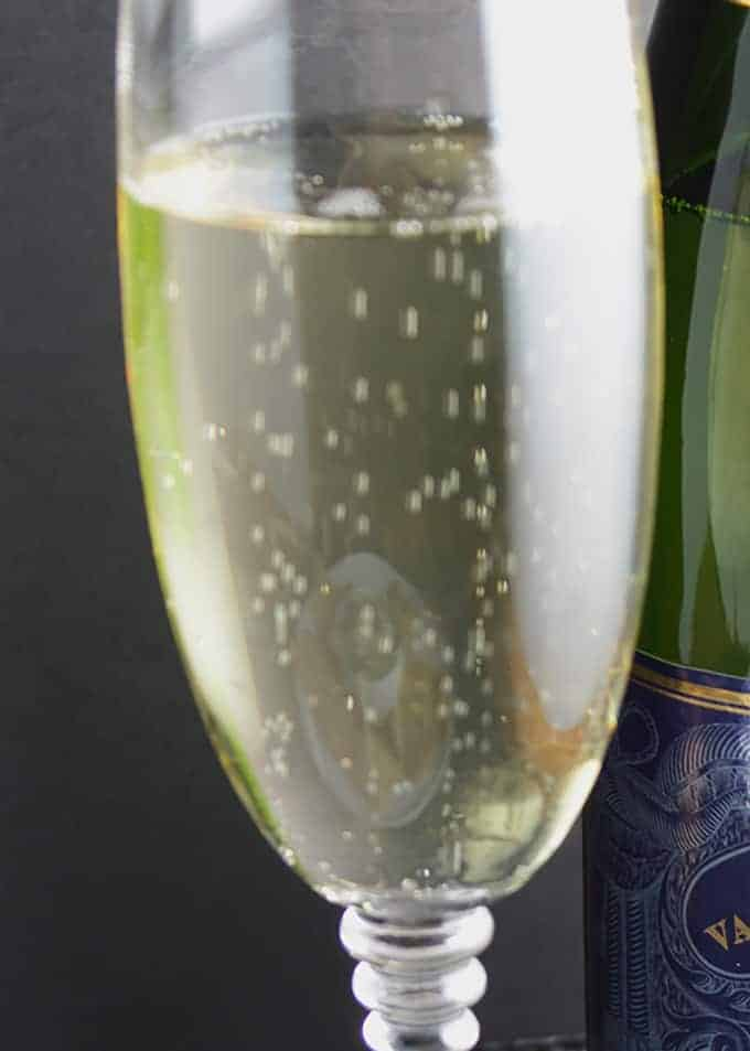 Bubbly for Bacon and Greens Dip