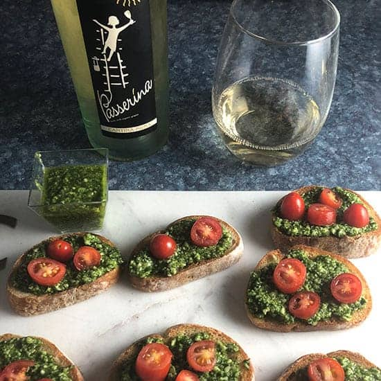 pesto crostini with wine pairing