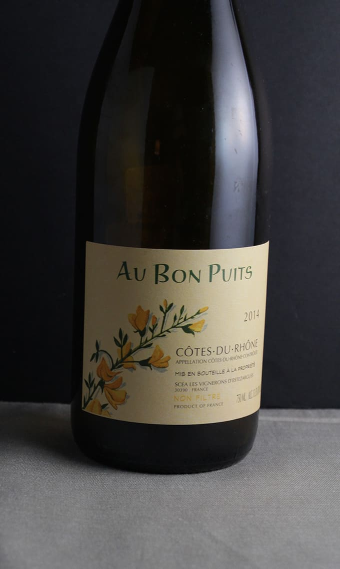 Au Bon Puits Côtes du Rhône is a delicious, affordable white wine blend. | cookingchatfood.com