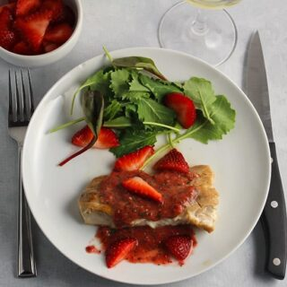 Mahi Mahi with Strawberry Sauce #SundaySupper #FLStrawberry