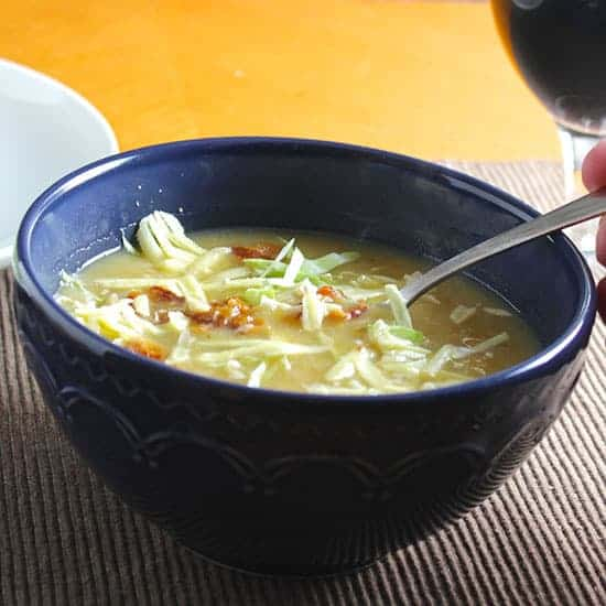 Irish-potato-cabbage-soup-550