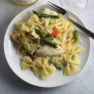 Asparagus Chicken Bow Tie Pasta with Anjou Blanc Wine