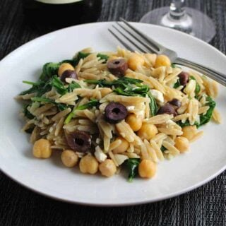 Greek orzo with spinach, chickpeas, olives and feta cheese.