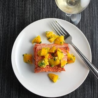 Grilled Salmon with Mango Salsa #winePW