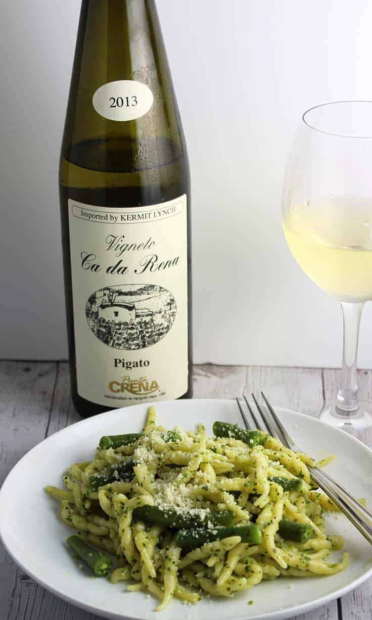 Vigneto ca da Rena Pigato wine paired with Ligurian pesto pasta.