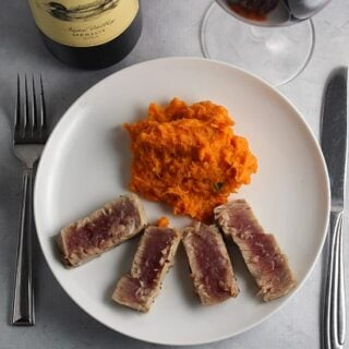 Garlic Thyme Crusted Tuna Paired with a Merlot #winePW