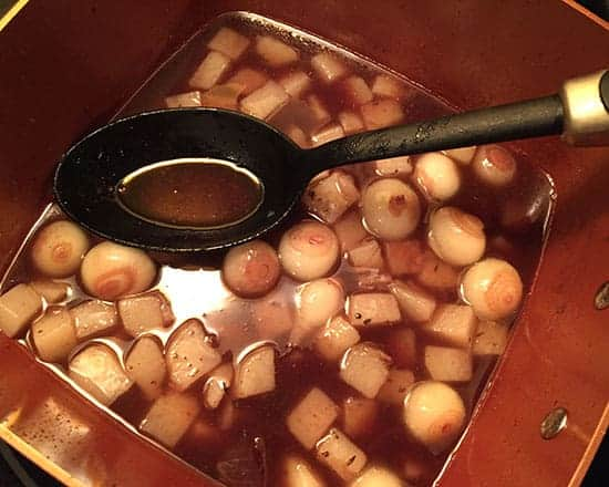 making pearl onion sauce
