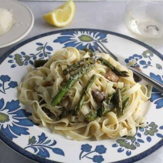 Roasted Asparagus and Mushroom Fettuccine