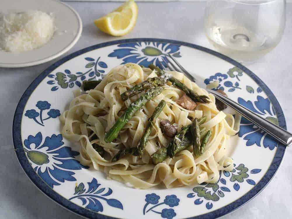 asparagus mushroom fettuccine
