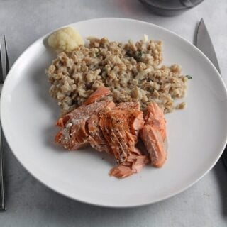 Salmon with Creamy Cauliflower Farro #SundaySupper