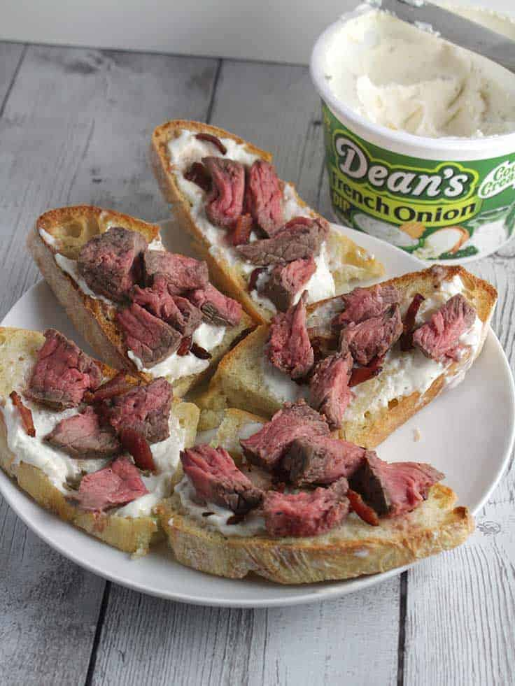 Bacon and Steak Crostini with Dean's French Onion Dip is an easy recipe to make for watching football and other gatherings with friends. #bacon #appetizers #DeansDreamBig #sponsored