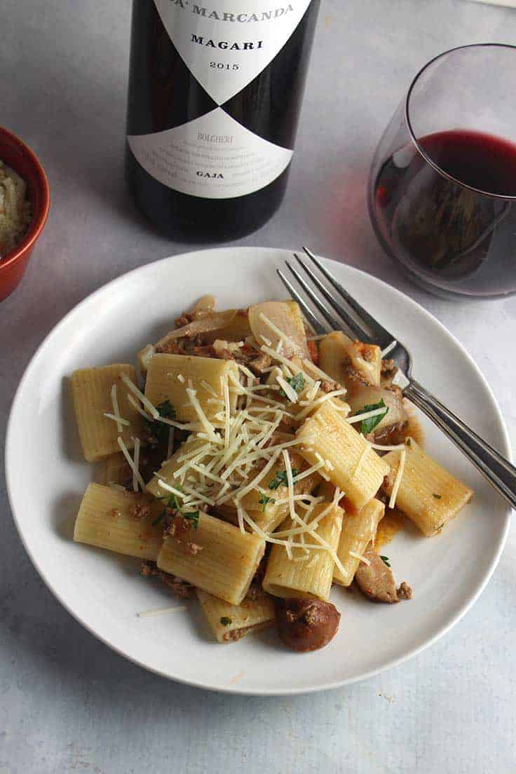 Spicy Bolognese Pasta is a delicious, hearty pasta recipe made even better served with a great glass of Italian wine. #winepairing #pasta #Bolognese