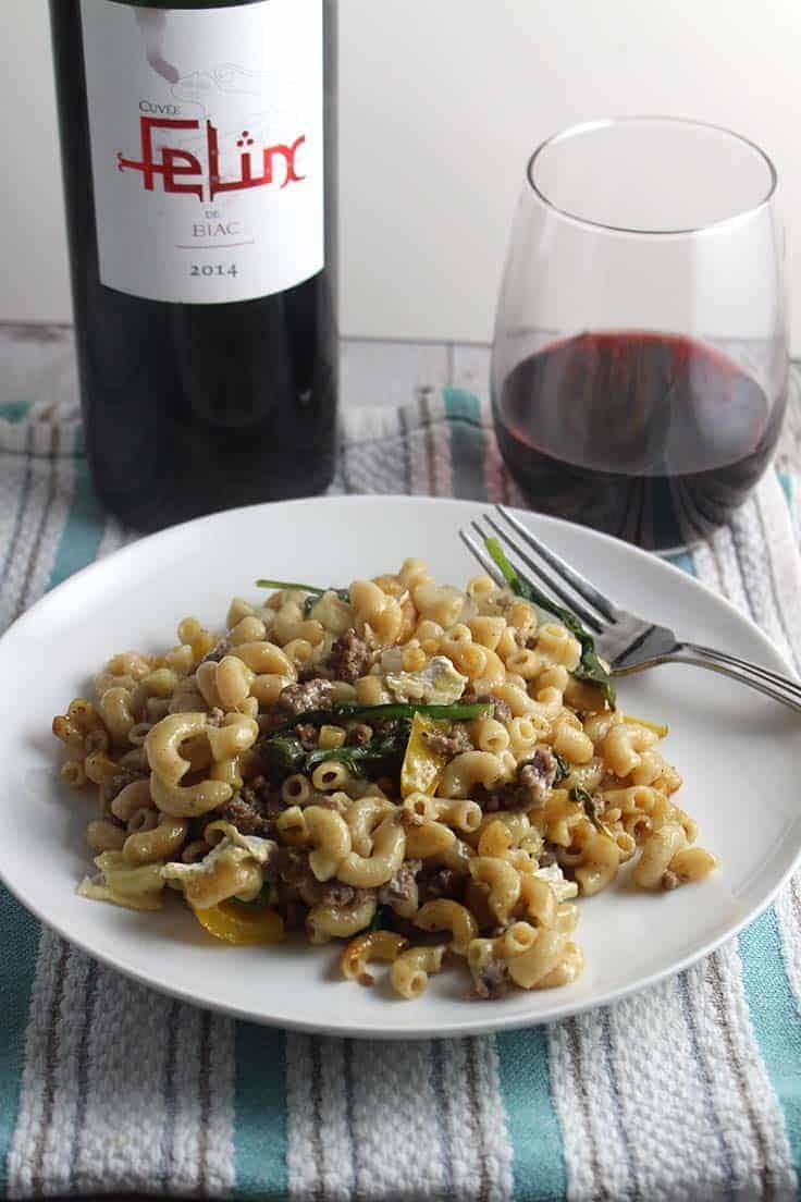 Felix de Biac is an enjoyable Cotes de Bordeaux red wine. #wine #Frenchwine #CotesdeBordeaux