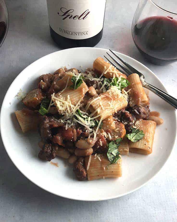 Spelt Montepulciano d'Abruzzo from La Valentina is an excellent wine pairing for Spicy Chicken Sausage Pasta. #winepairing #abruzzowine #sponsored