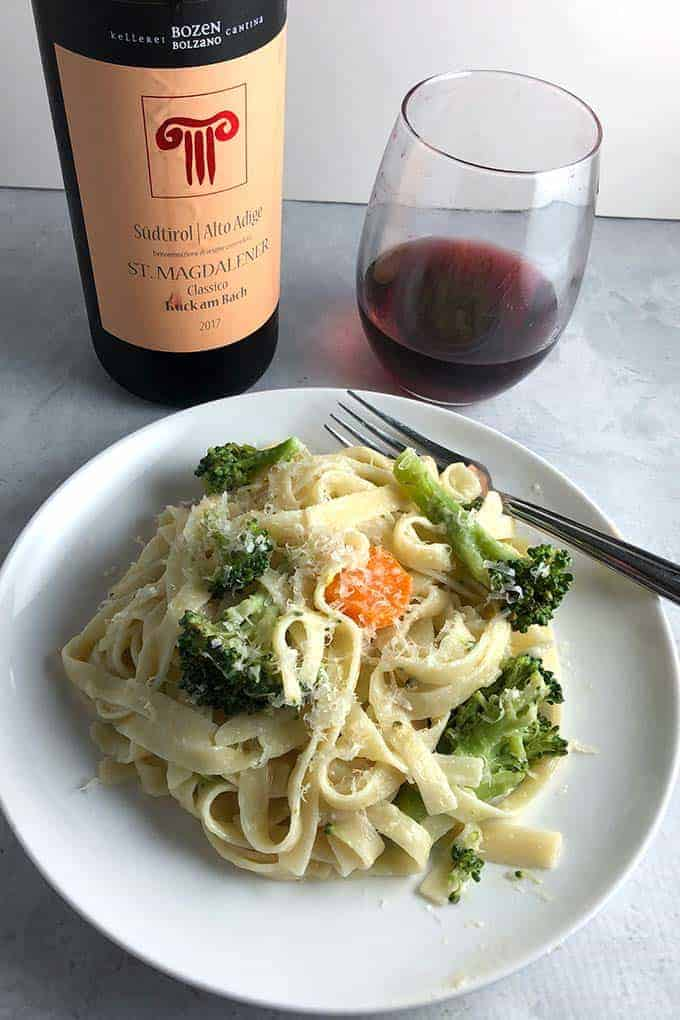 Schiava red wine paired with fettuccine.