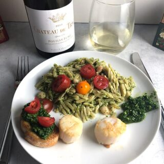 scallops served with kale pesto orzo and a Pouilly-Fumé.