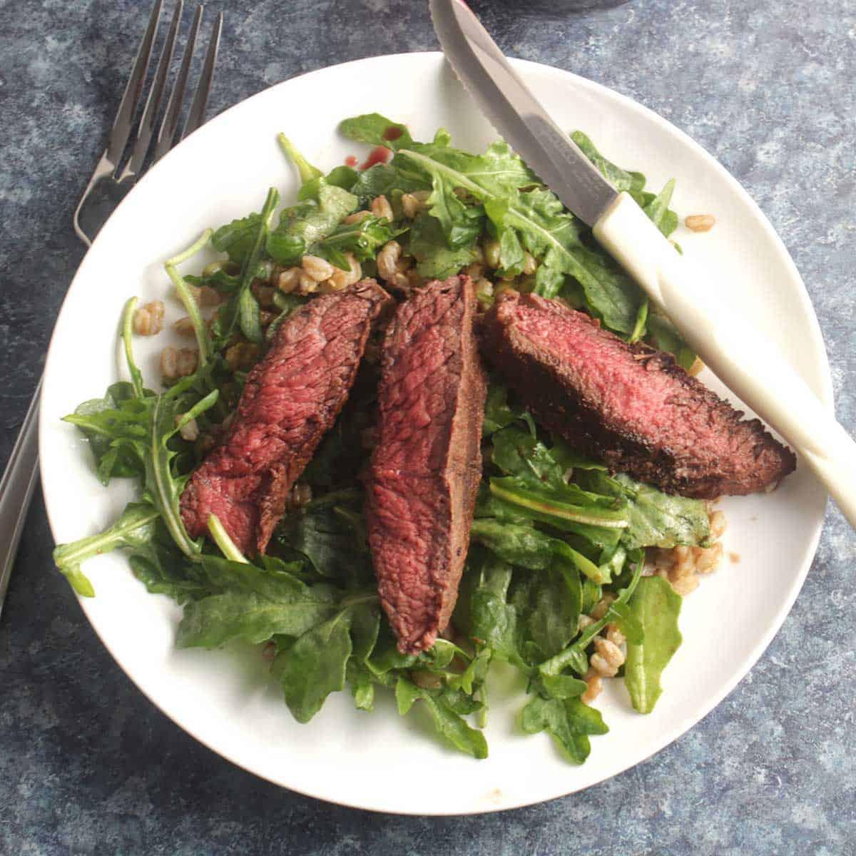 Arugula salad with steak