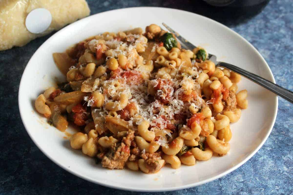 pasta with ground beef and chickpeas.